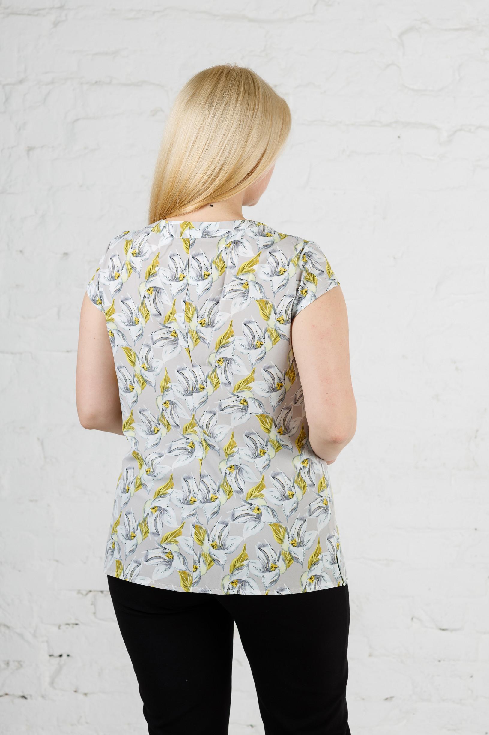 Летняя женская блуза на пуговицах б-612