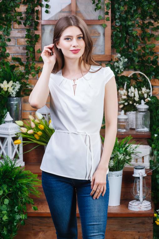 Стильная летняя блуза молочная б-6082