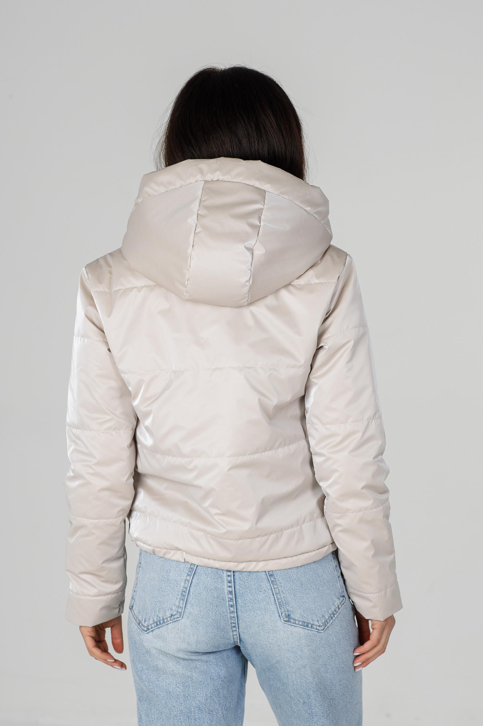 Весенняя полуспортивная молочная укороченная куртка из велюровой ткани Триша