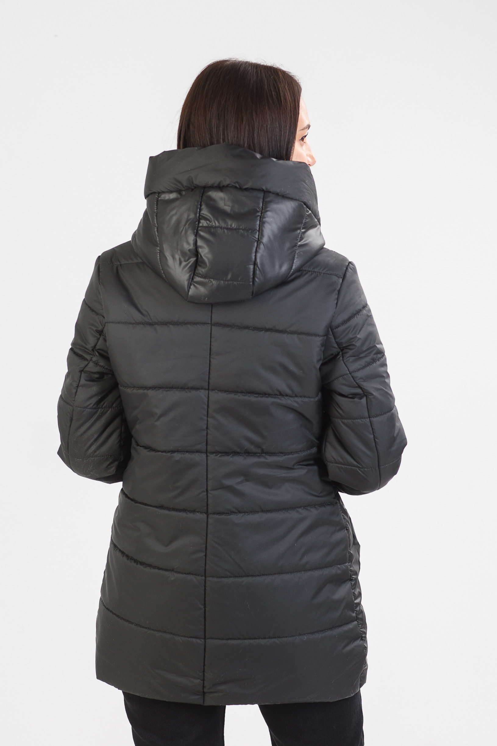Чорная демисезонная курточка Стар
