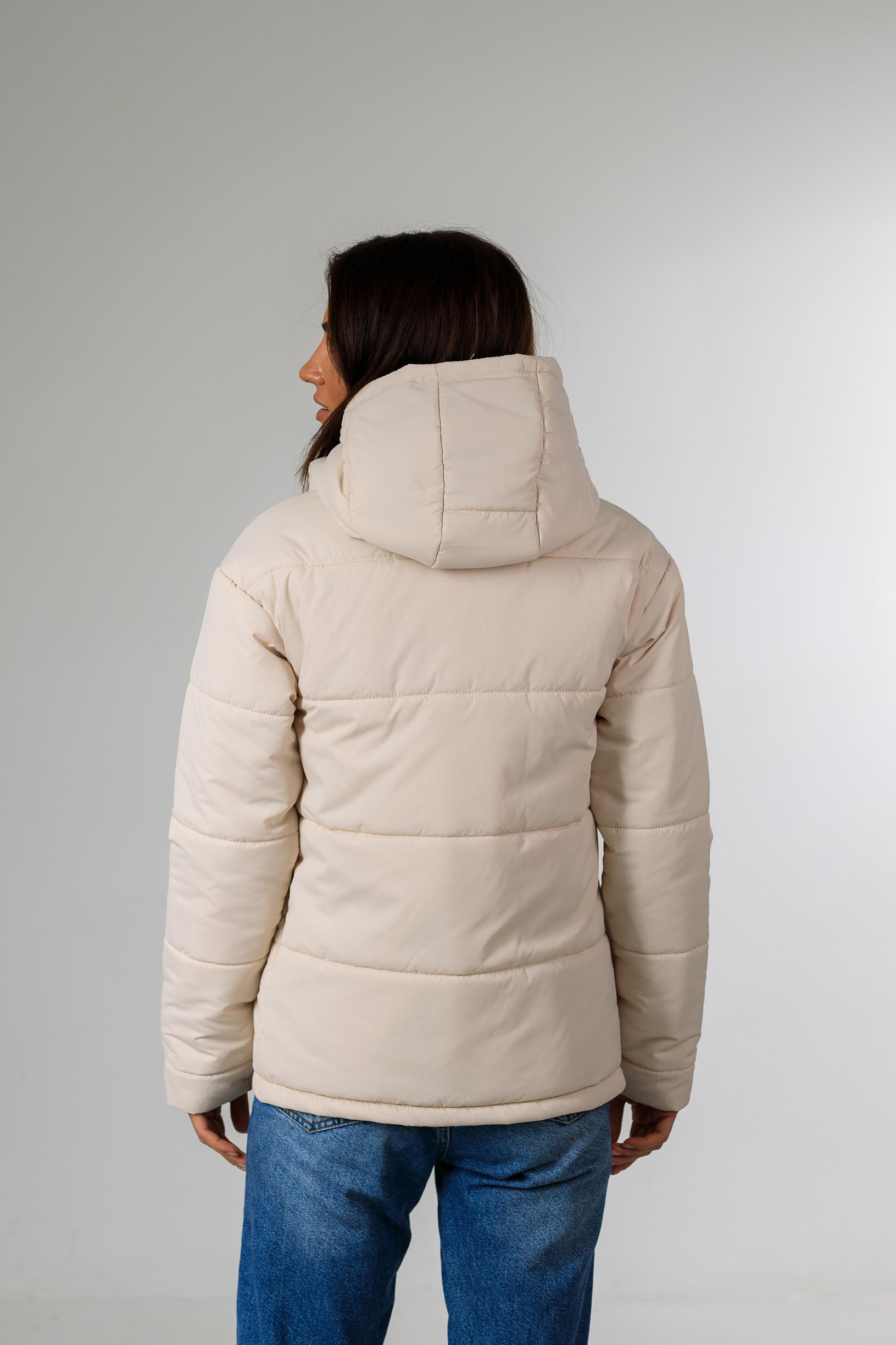 Демисезонная женская куртка Фреди молочного цвета