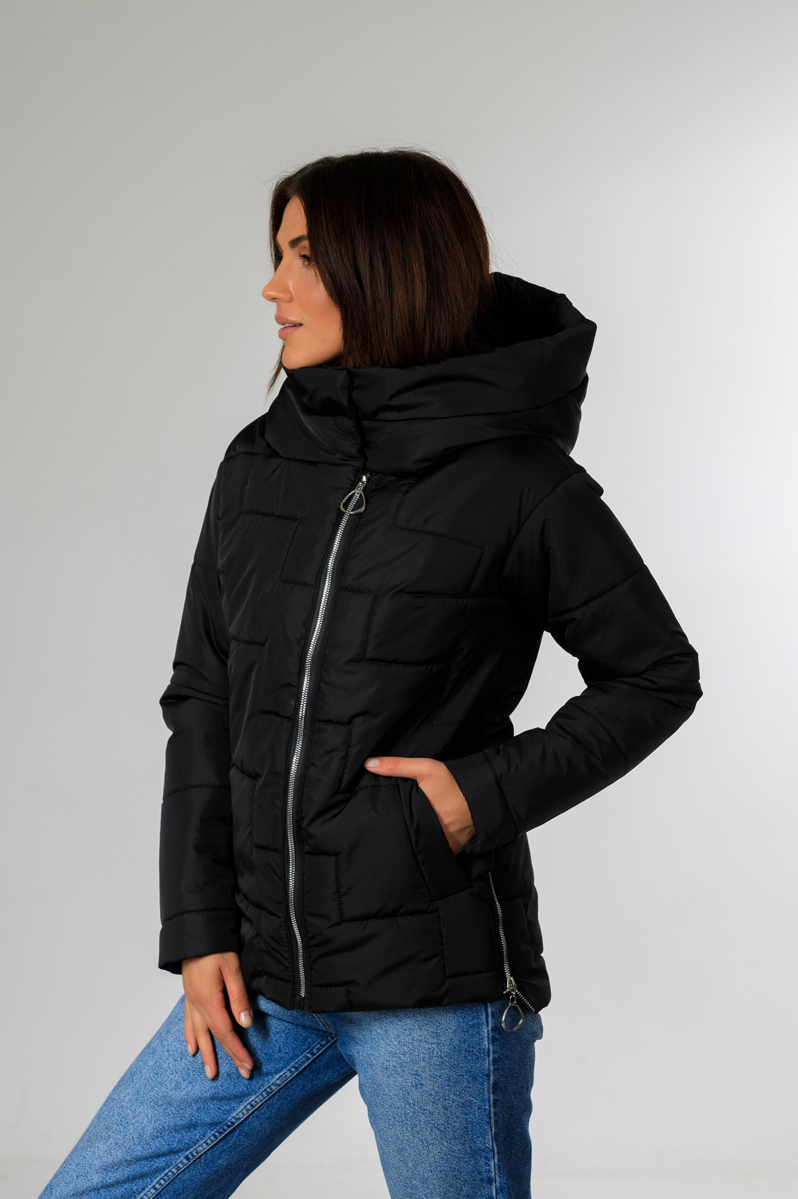 Демісезонна жіноча куртка Теффі чорного  кольору