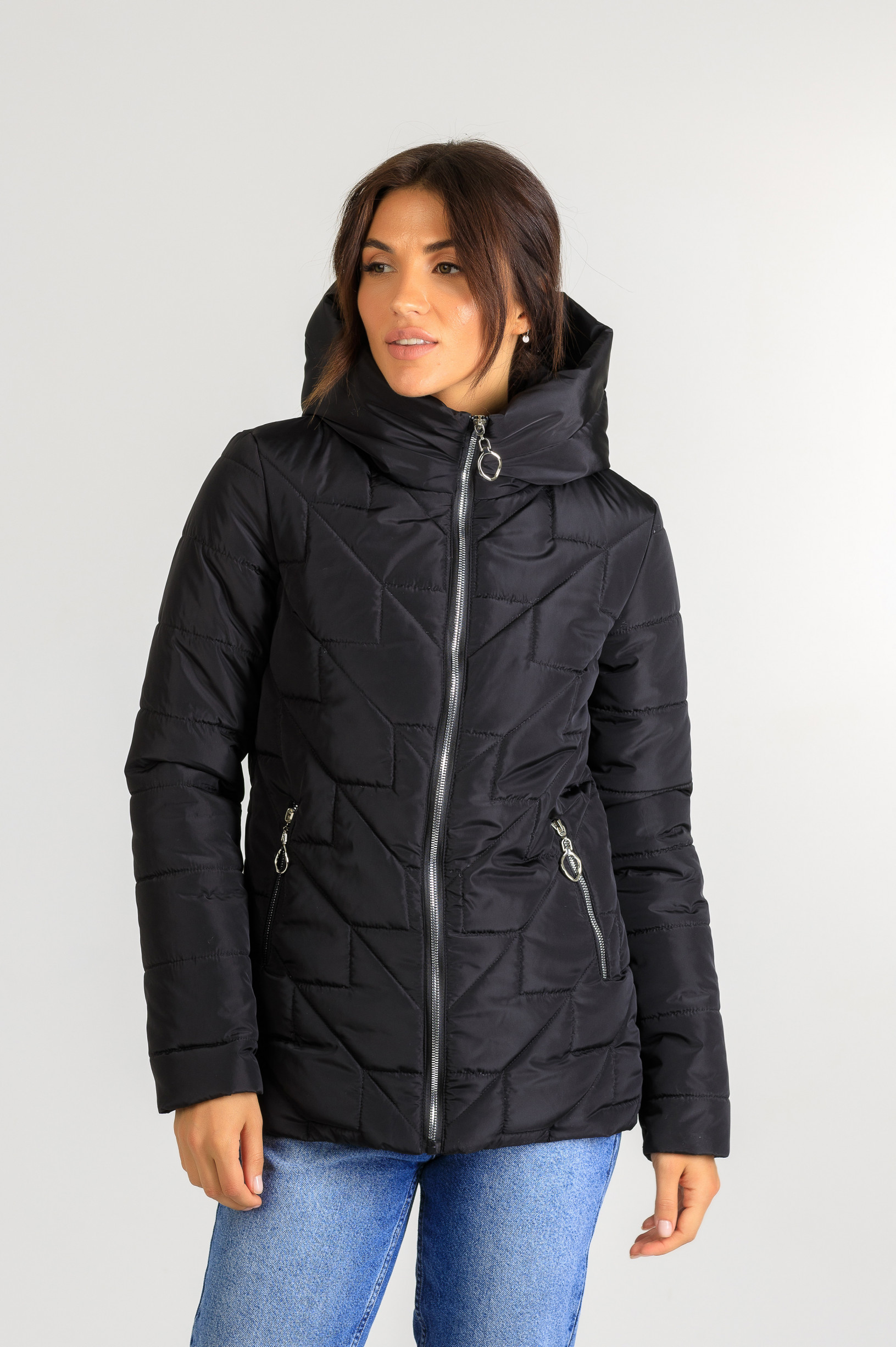 Демисезонная  женская удлинённая куртка Руби чёрного цвета