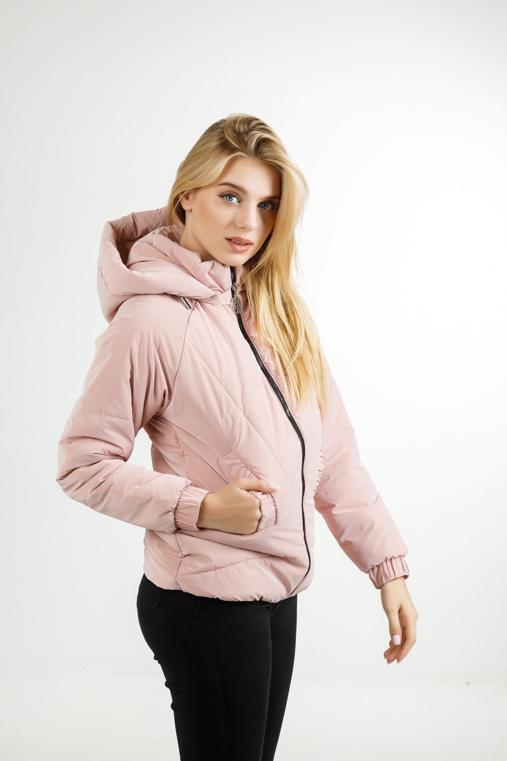Демисезонная куртка Берри+ из велюровой плащёвки розового цвета