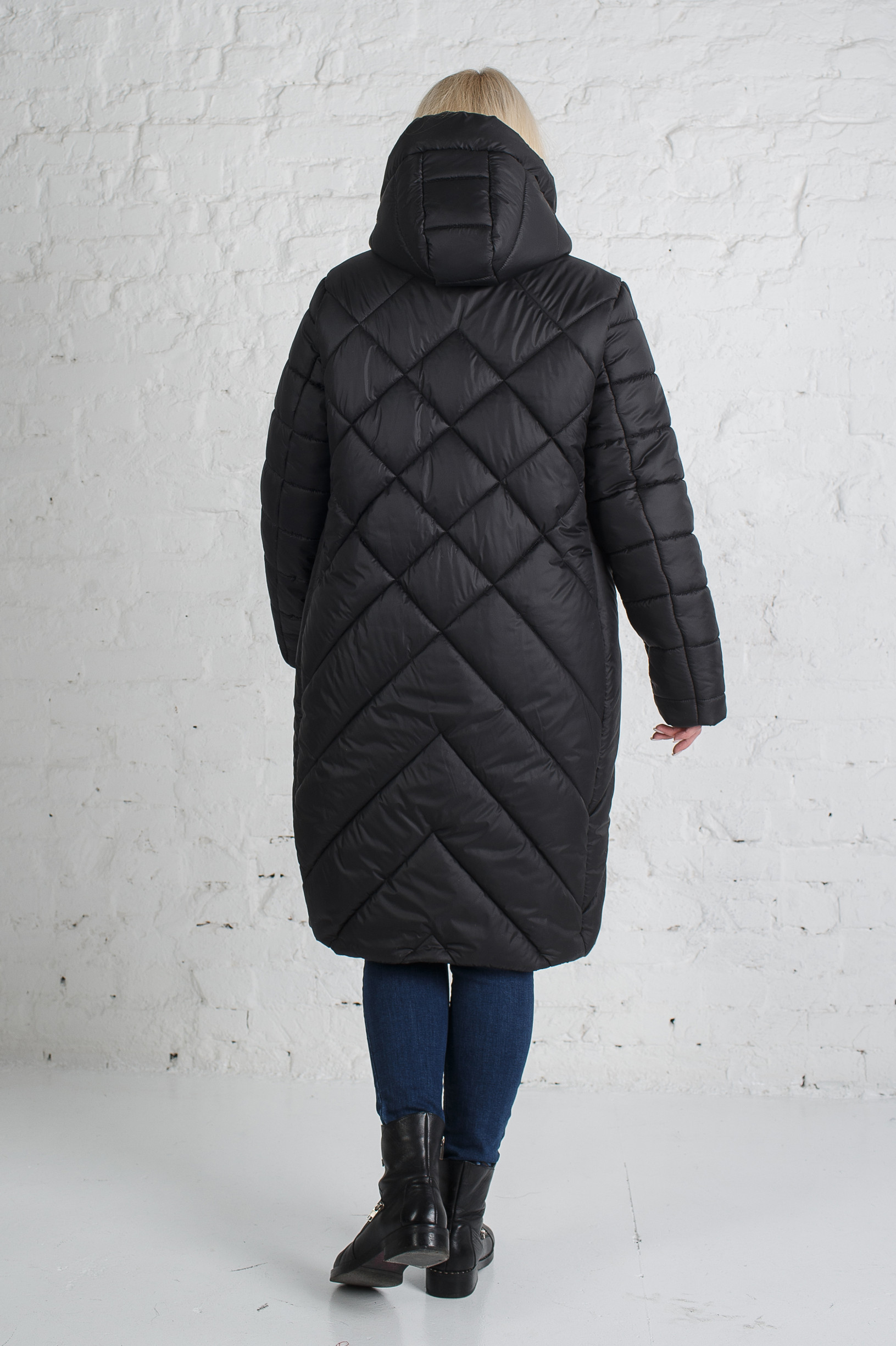 Зимнее чёрное пальто для девушки Лара