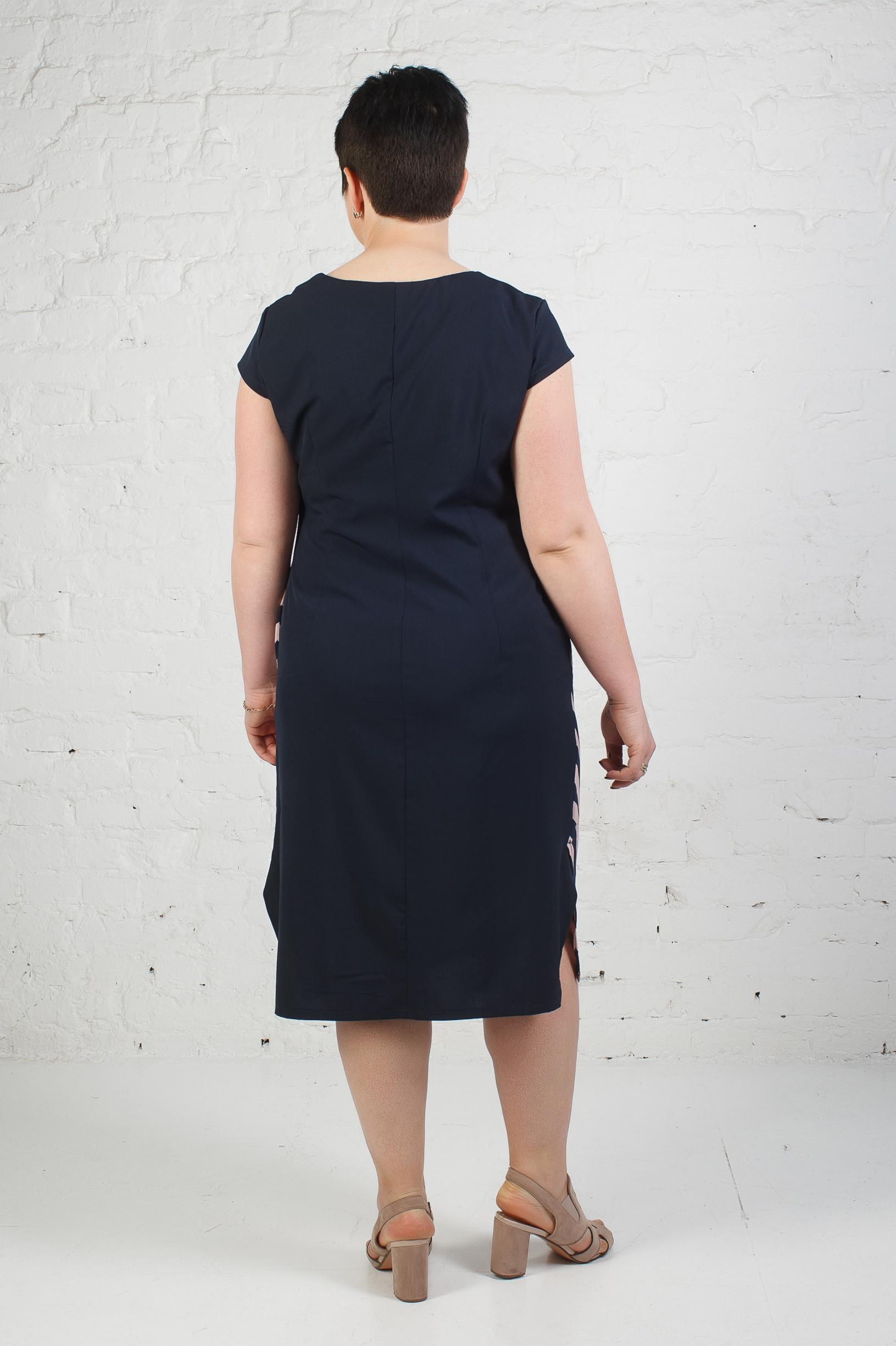 Стильное платье п-772 широкая полоска