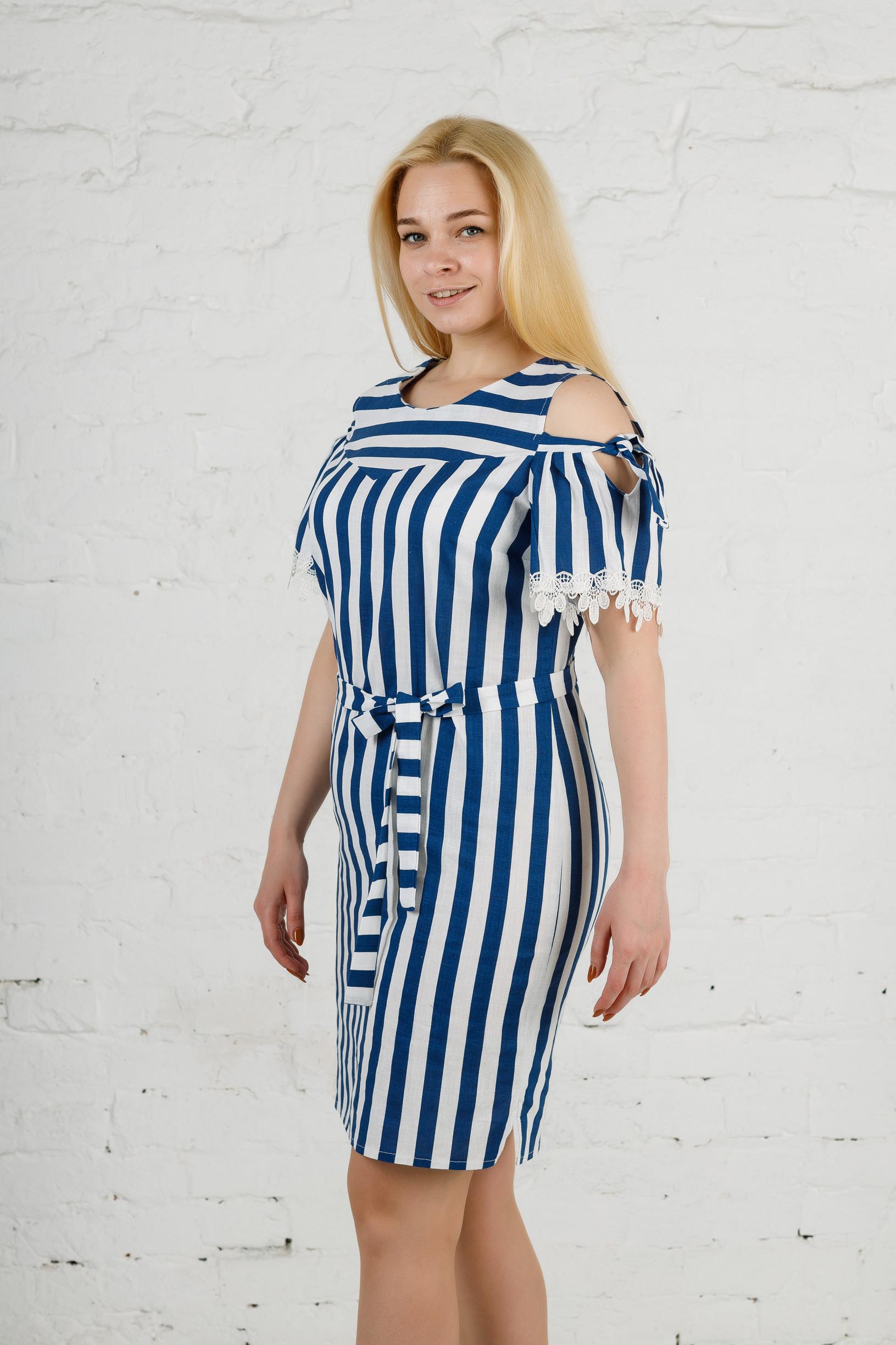 Женское льняное платье в полоску п779 синее